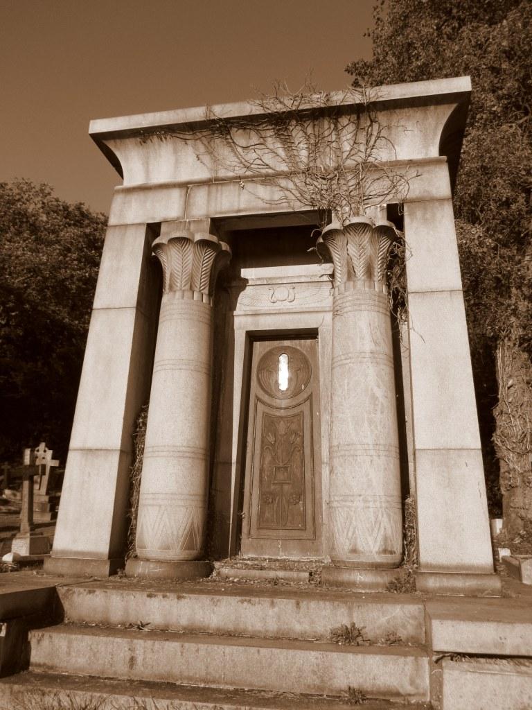Egyptian Mausoleum, Putney Vale Cemetery